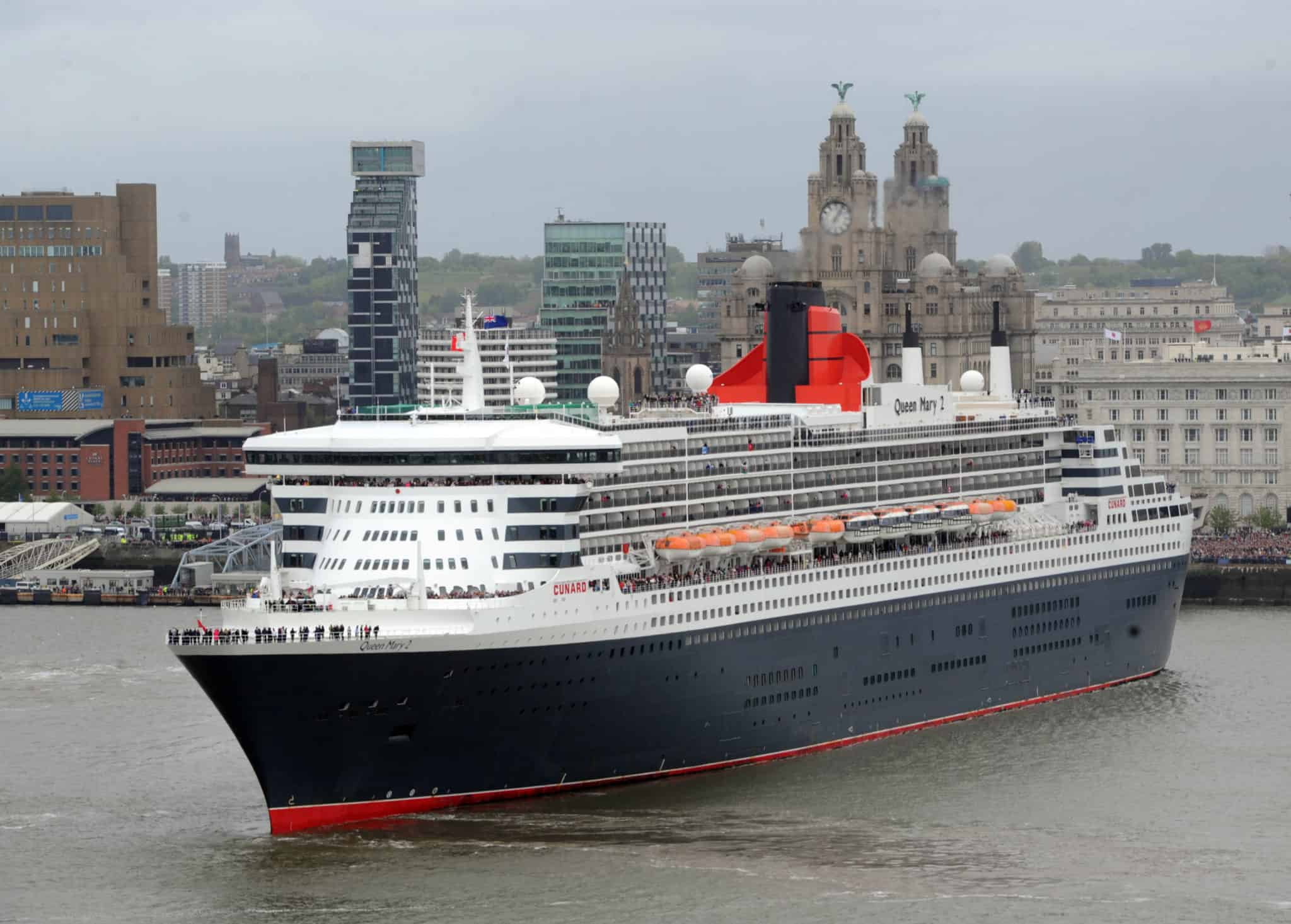 Cunard flagship queen mary 2 to undergo major for Garderobe queen mary 2