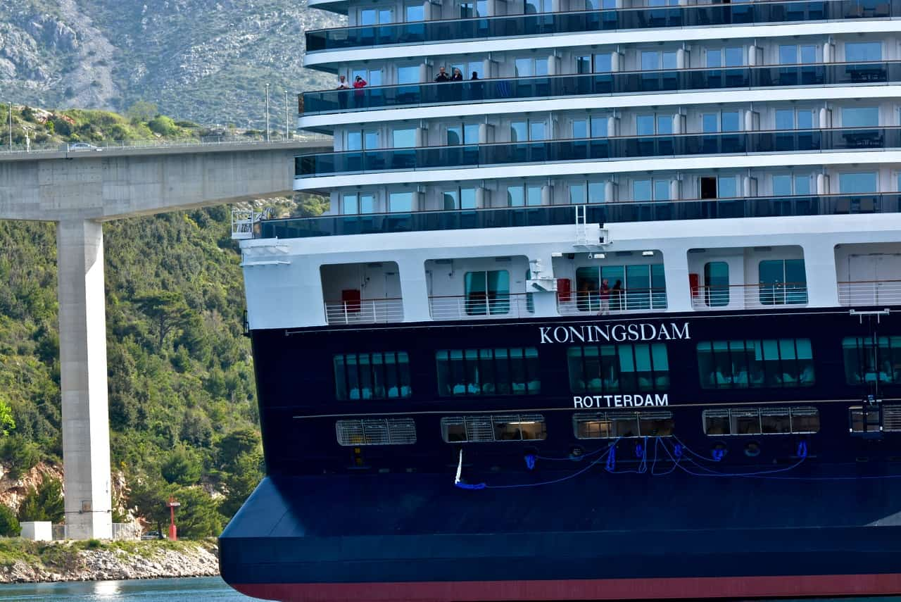 A Dozen Interesting Features Of New Holland America Ship